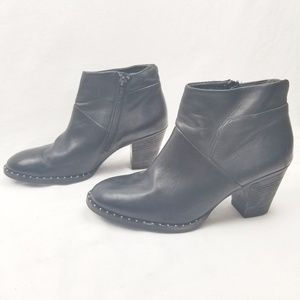 Paul Green Nelly Leather Bootie Studs |122